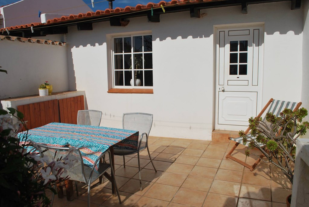 Outside space at Casinhas da Figueira 3 (1) - Holiday Apartments West Algarve