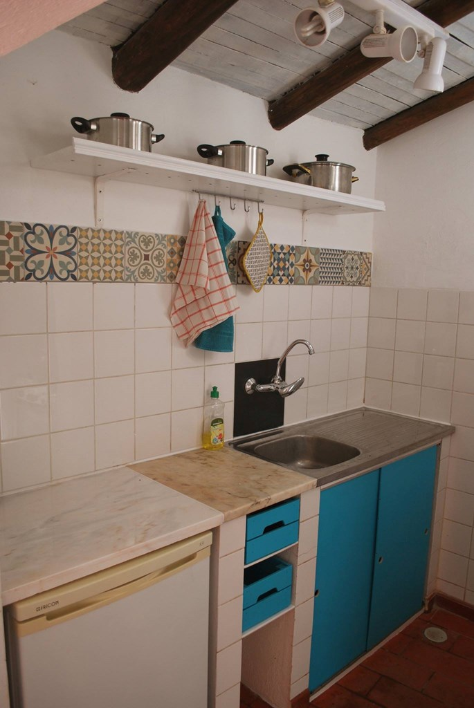 The kitchen in Casinhas da Figueira 3 (2) - Holiday Apartments West Algarve