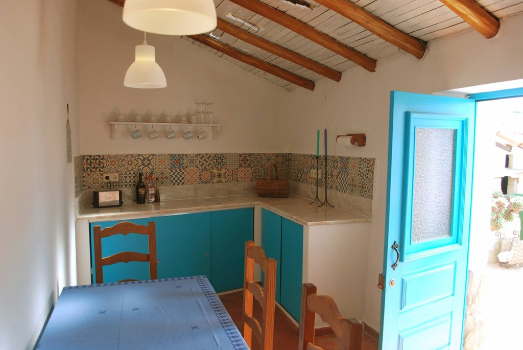 The kitchen in Casinhas da Figueira 3 (3) - Holiday Apartments West Algarve