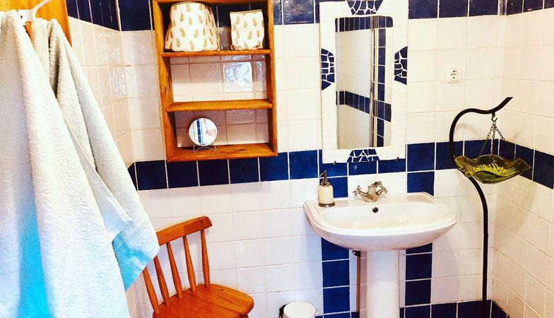 casinha1-bathroom