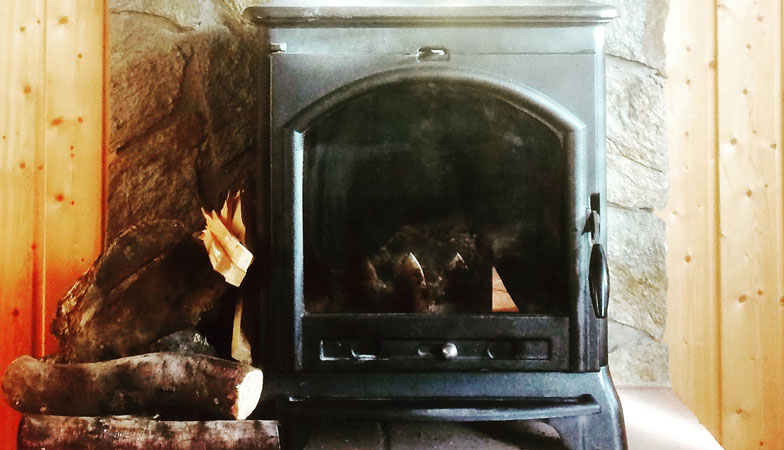 casinha1-fireplace